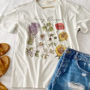 NWT Rustic Honey Flowers Tee